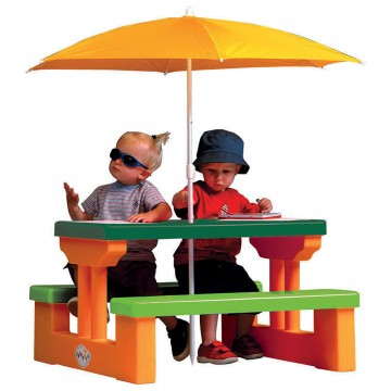 4 Kids Picnic Table + Umbrella